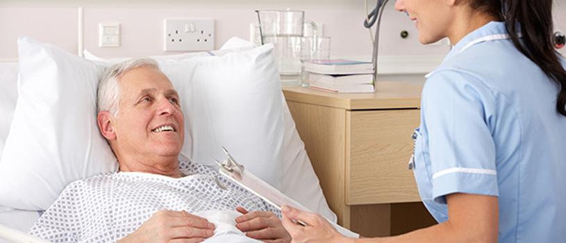 Experteninterview zum Einsatz von Pflegeoveralls